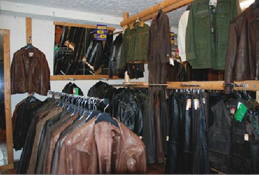 e869de76ad1 Les vêtements en cuir